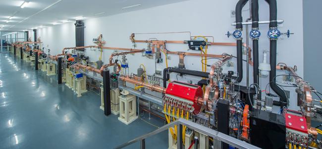 我国科学家成功研制世界上最亮的极紫外自由电子激光装置——大连光源